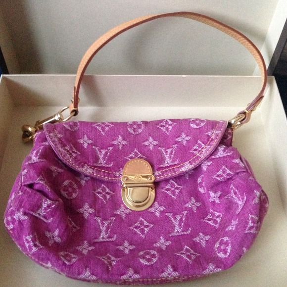 18 off louis vuitton handbags louis vuitton mini pink