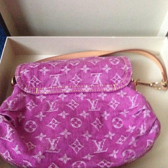 18 off louis vuitton handbags louis vuitton mini pink