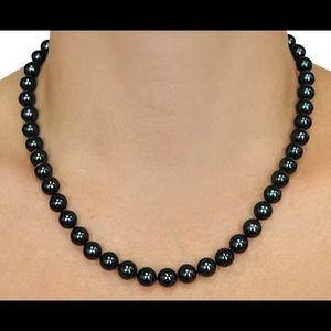 Jewelry - 🎉Host Pick🎉Alaskan black pearl necklace
