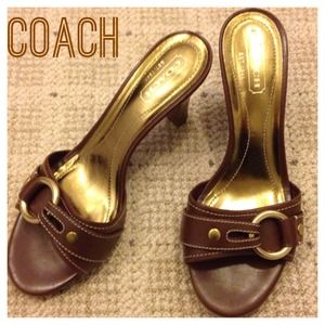 ✨HOST PICK✨Coach leather sandals