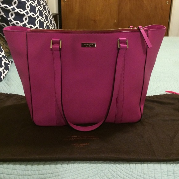 38ecb92a51b2 kate spade Handbags - Kate Spade Newbury Lane Saffiano leather tote