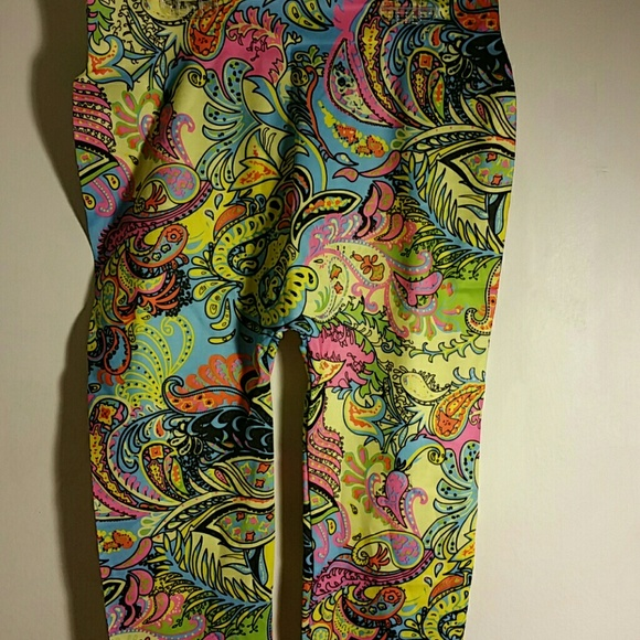Pants - Cute Paisley Print Leggings