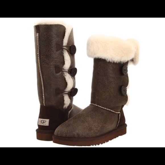 4fce493235f New UGG Bailey Button Triplet Bomber Boots SZ 6