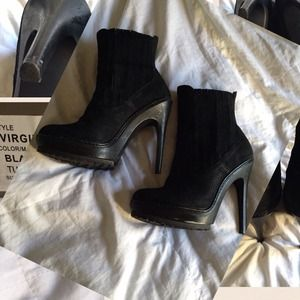 Black Leather BCBG boots ⏰48HR SALE⏰