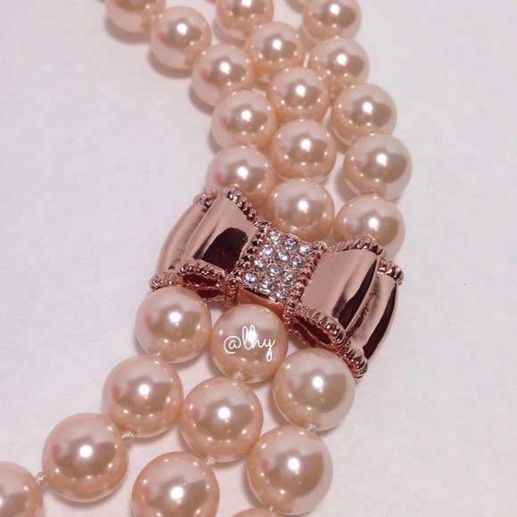 Kate Spade Pearl Bow Necklace: SOLD KATE SPADE PEARL ROSE