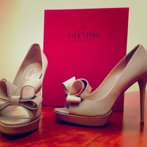 *NEW* VALENTINO 9/39 Bow d'Orsay Nude Leather Pump