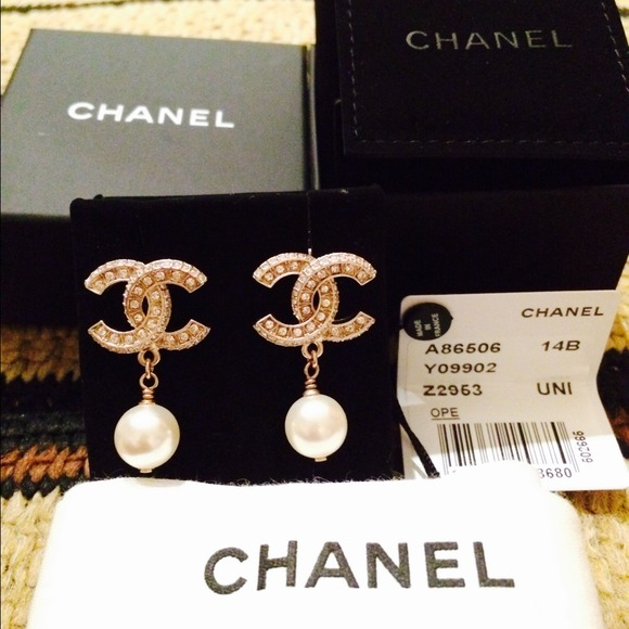Chanel Pearl cc Earrings Chanel Earring cc With Pearl