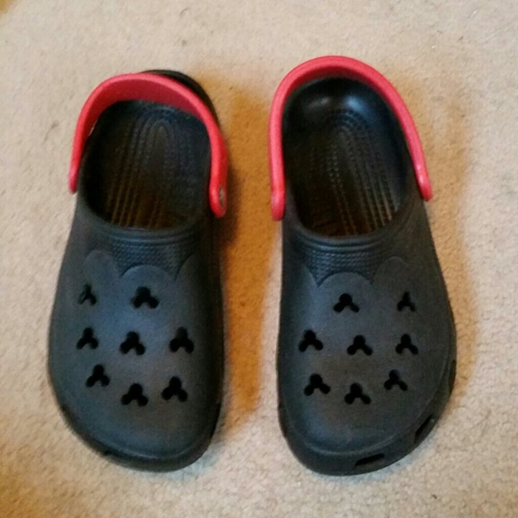 New Rare Mickey Mouse Crocs Black Red 6