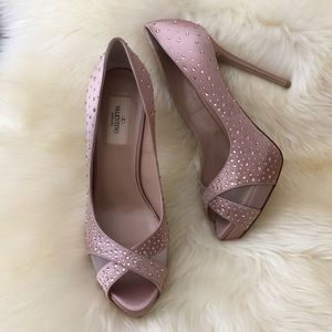 Valentino crystallized pumps