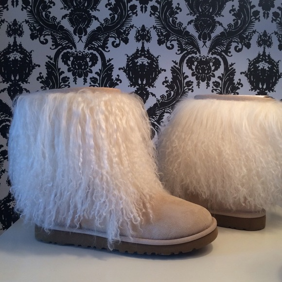 6031ee35d8f Authentic Mongolian Uggs