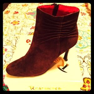 Restricted Shoes - 💖 Brown suede booties