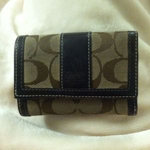 Classic Coach trifold wallet