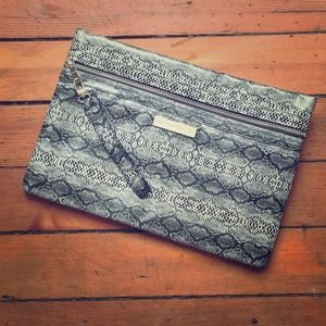 Handbags - Black & Gray Snakeskin Zipper Clutch / Bag