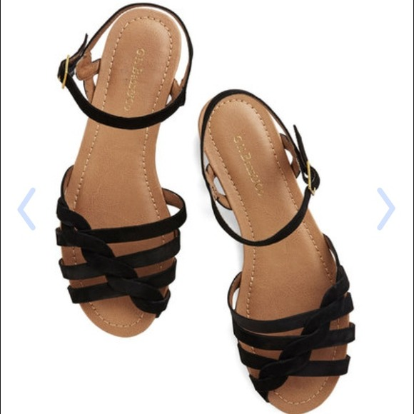 8b0101180 NEW G.H. Bass Clementine Black Ankle Strap Sandals