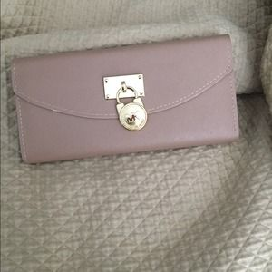 Clutches & Wallets - Wallet
