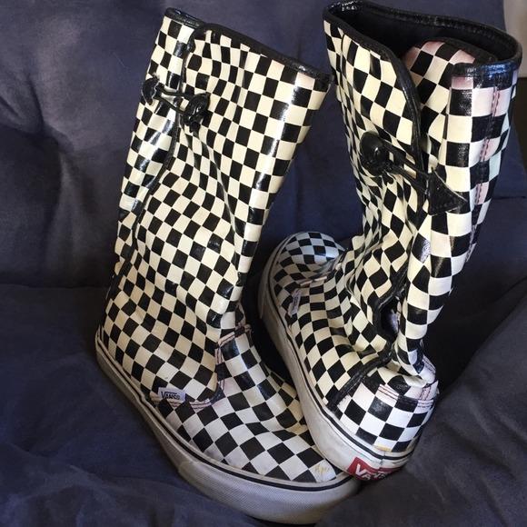 68c1f88271 Vans checkered rainboots. M 547255dca632b6514a13f90a