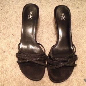 Mossimo black heels size 9.5