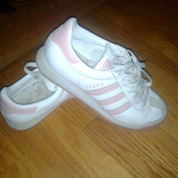 04ce406a936fce Adidas Shoes - ADIDAS SAMOA 9.5 SHOES WHITE PINK