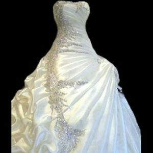 Dresses & Skirts - Beautiful White or Ivory Wedding Gown Taffeta
