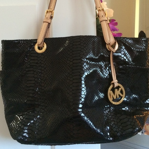 b20468cc1422a2 Michael Kors black snakeskin handbag. M_547382489da2596ee60056f8