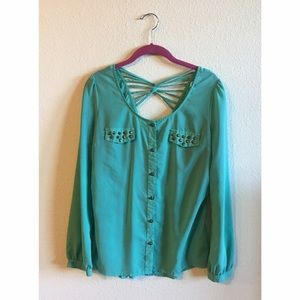 Flattering Turquoise Top