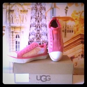 New in box authentic Ugg sparkle sneaker 8