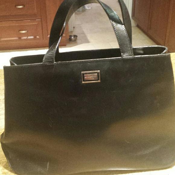 bba8b309035b Burberry Handbags - Burberry vintage Black Leather handbag