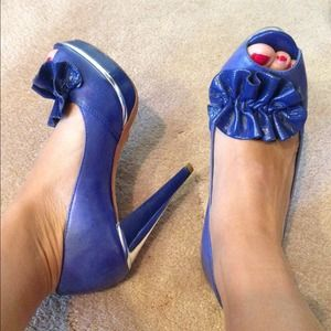 Royal blue Andre heels from Paris!