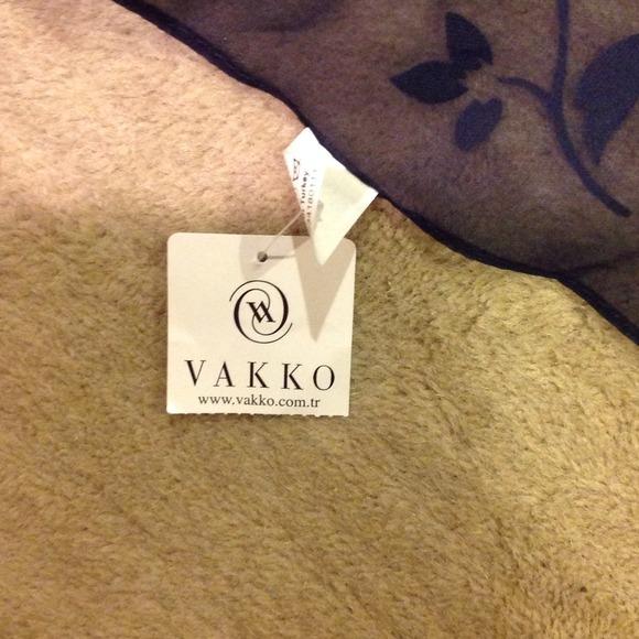 75 vakko accessories navy scarf from gabrielle s