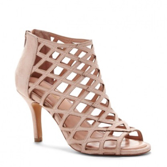 616bbd3134e ✨FLASH SALE Sole Society Nude Caged Heels