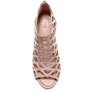 db609b5612c Sole Society Shoes - ✨FLASH SALE Sole Society Nude Caged Heels