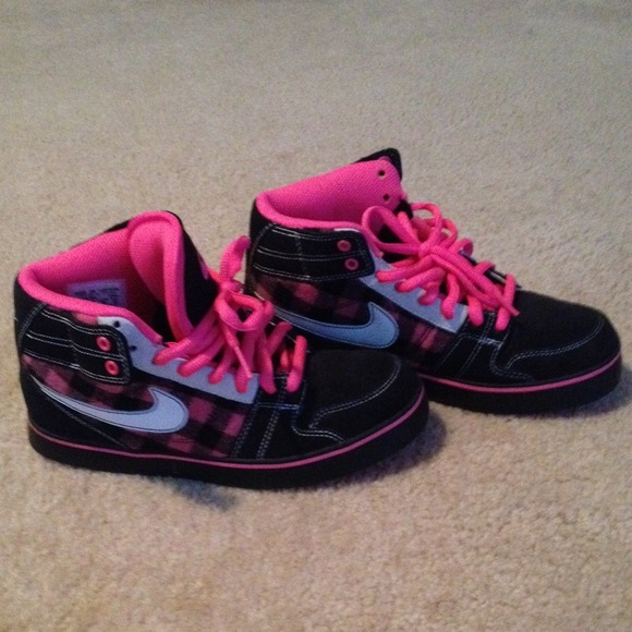 66dda266ee Nike Hot Pink Black High Top Shoes Size 7 Plaid. M 547595849da259069b04f504