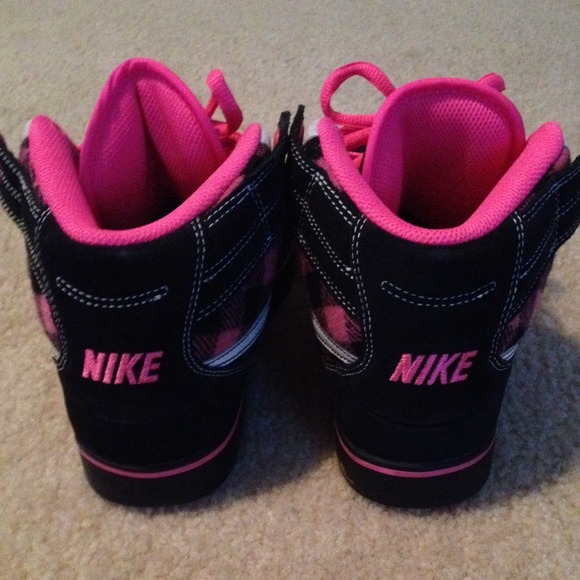 c111446bec pink nike high tops