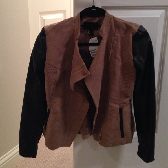 H&M Jackets & Coats - Cute H&M jacket. Size 2