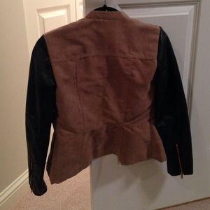 H&M Jackets & Coats - Cute H&M jacket. Size 2