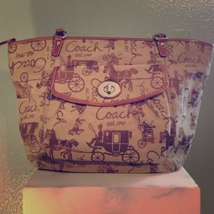 Coach Large Tote-Brown Signature