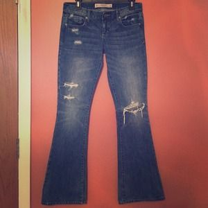 PRICE DROPAbercrombie & Fitch distressed Jeans
