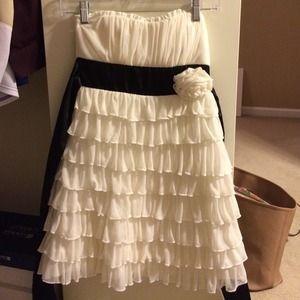 White short dress with black sash