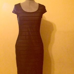 NWTDorothy Perkins black Bodycon midi dress.