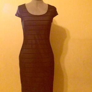 NWTDorothy Perkins black Bodycon midi dress.