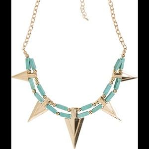 Jewelry - 💚💙Arrow necklace and earring set💙💚