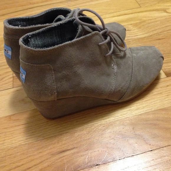 55 toms shoes toms desert wedge bootie chukka