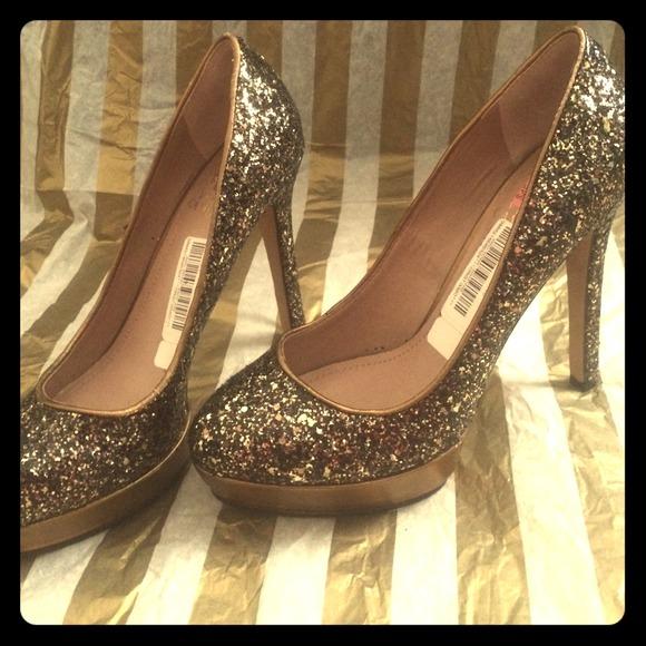 Vince Camuto Shoes - Vince Camuto bronze sparkle 4 in heels w platform