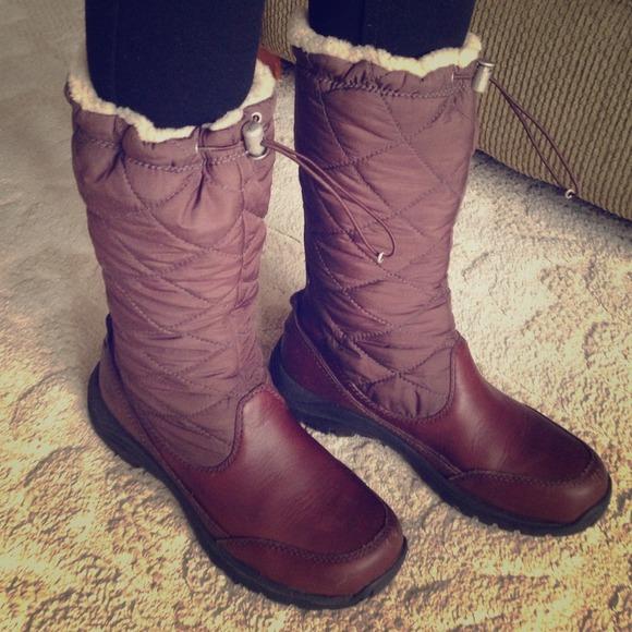 642280519ed Ugg Snowpeak boots