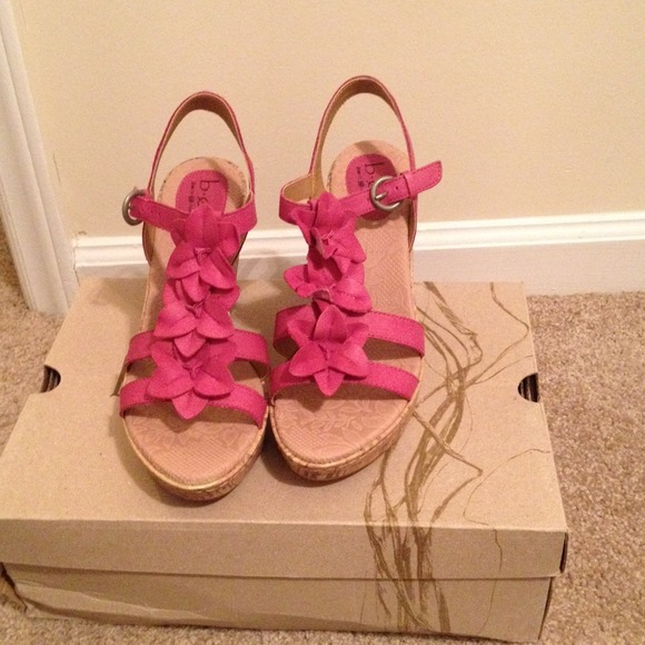 Born shoes boc pink wedge sandals poshmark boc pink wedge sandals mightylinksfo