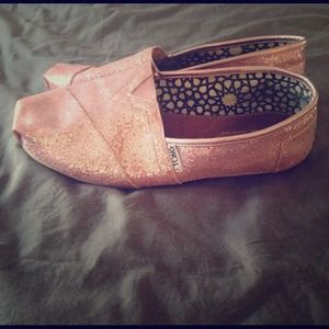 ***REDUCED***Pink Glitter Classic Toms Slides