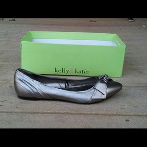 FLASH SALE!!! NWT Seychelles Flats w/ Knotted Bow