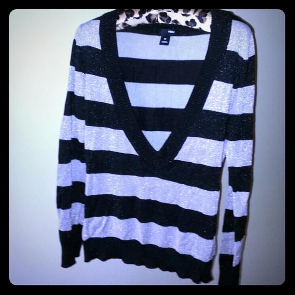 b28e8dbaa82da4 H M Sweaters - MOVING SALE - H   M V- Neck sweater