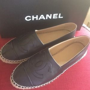 CHANEL Shoes - AUTH Chanel Black Leather Espadrilles