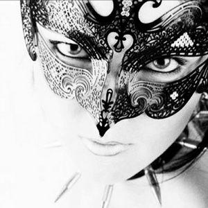 Gold metal mask